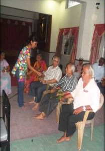 CSR-visit-to-old-age-02