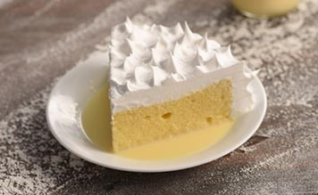 traditional-trsleches-cake